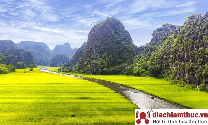 Du lịch Ninh Bình vào hè