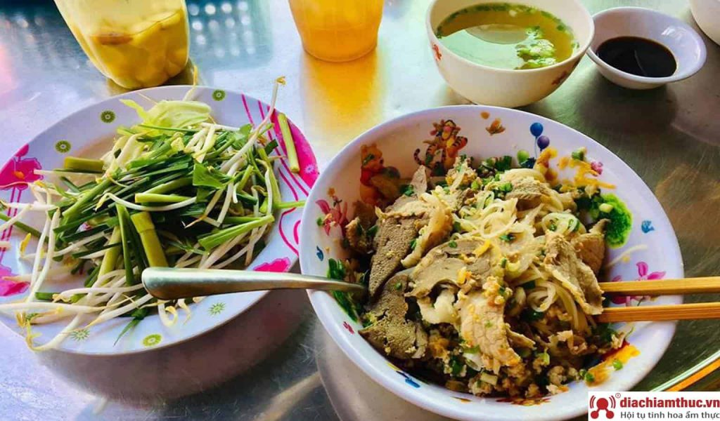 Hủ Tiếu Nam Vang Phú Quý - Hồ Thị Kỷ