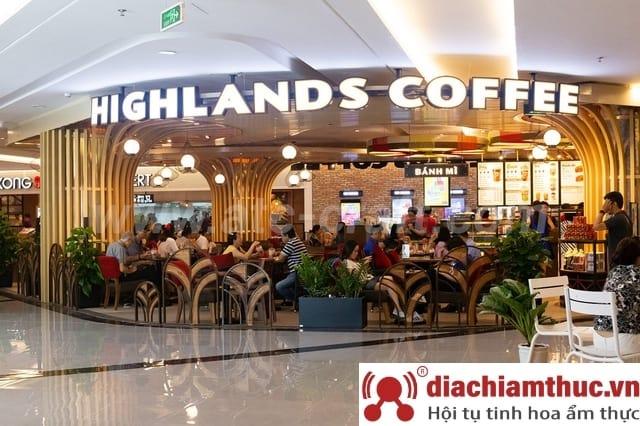 Không gian Quán Highlands Coffee