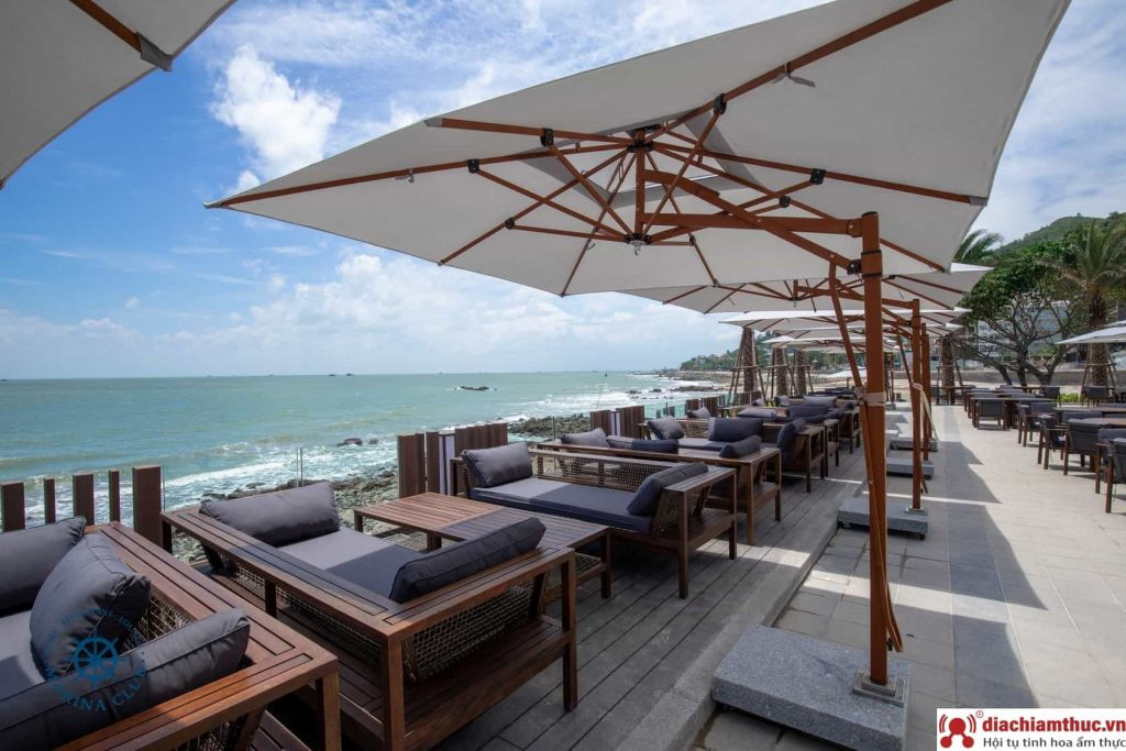 Marina Club & Coffee