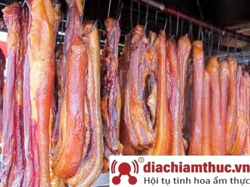 Món Thịt xông khói tại Sapa