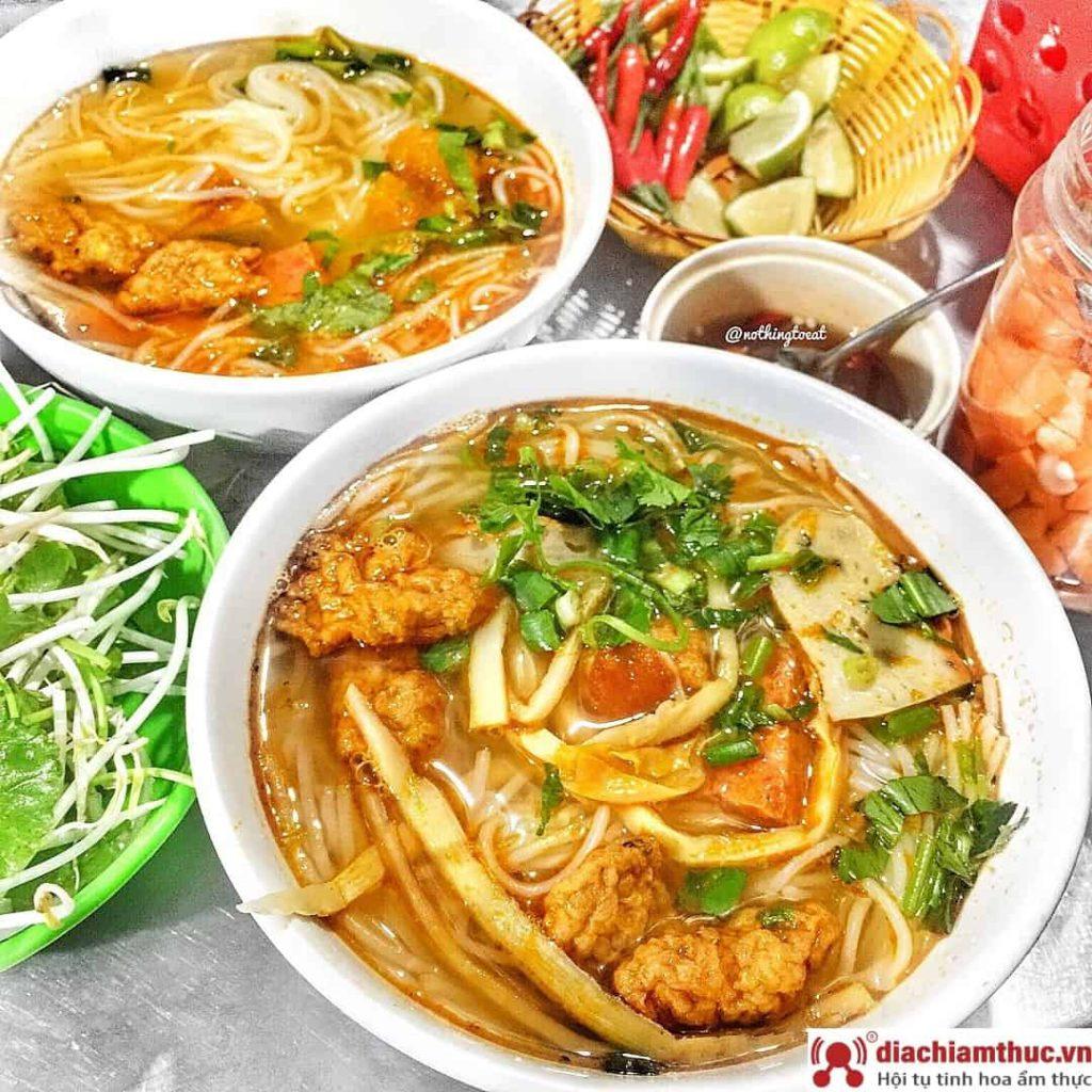 Món bún chả cá ngon Đà Nẵng