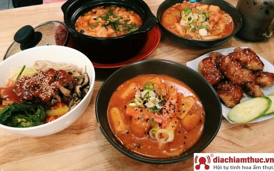 Moon Fast Food Tân Bình