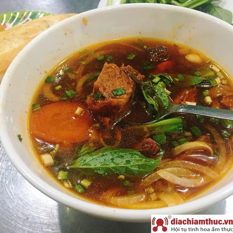 Quán ăn Thuận Phong Hủ tiếu & Bánh mì bò kho