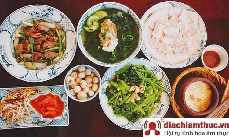 Quán ăn trưa cơm niêu 3 Cá Bống Đà Nẵng
