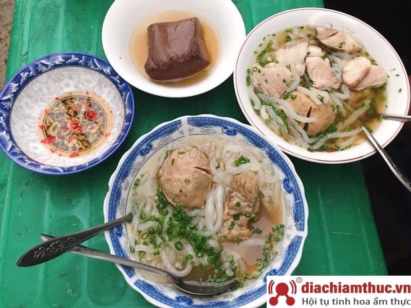 Quán bánh canh bò viên - Nguyễn Văn Nguyễn