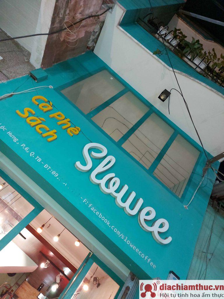 Slowee Coffee & Book