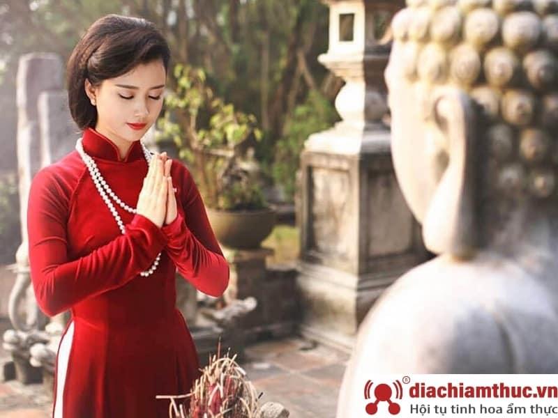 Trang phục đi những nơi thiêng liêng
