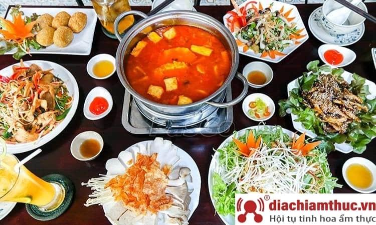 Vườn Chay Garden Restaurant - Lê Quang Định