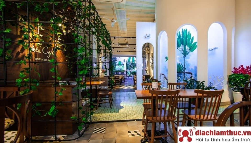 Yuta Café - Lê Hồng Phong
