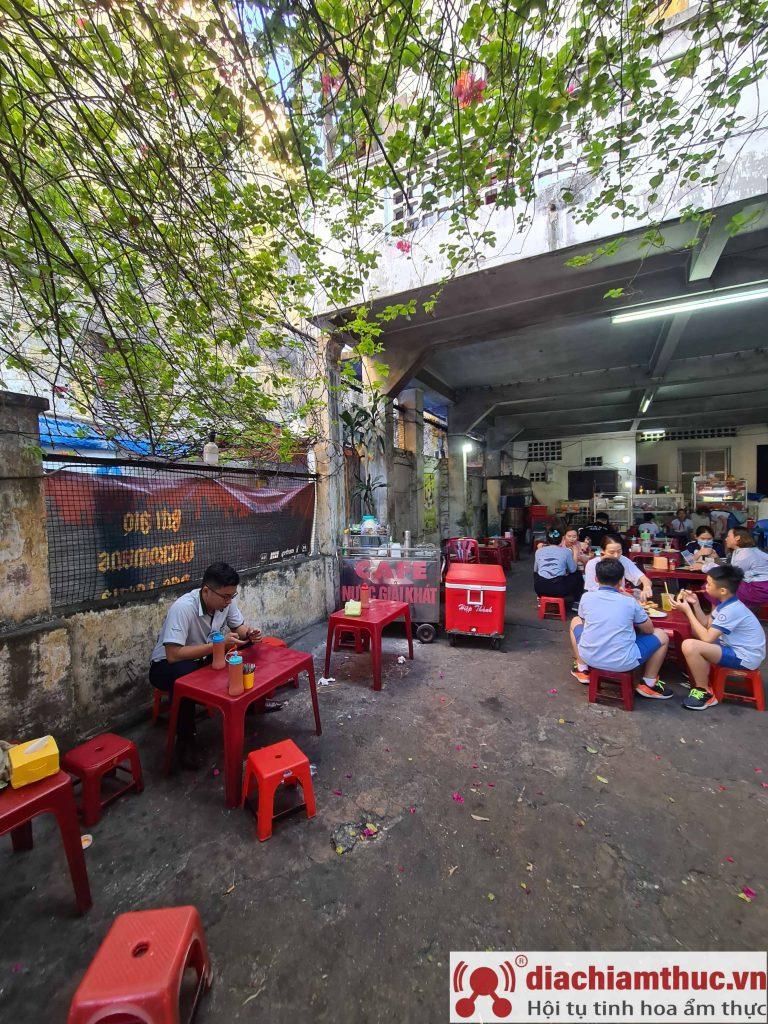 A Tùng Bánh mì bò nướng Cambodia