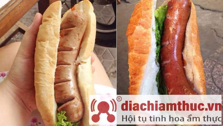 """Bánh mì hotdog """"Anh Tây"""""""