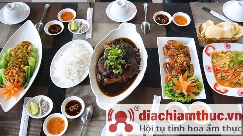 Nhà hàng Hương Huyền