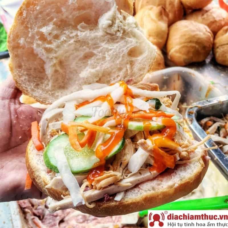 Bánh Mì Cóc – Bánh Mì Gà Xé – Cô Bích