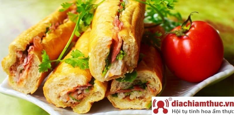 Bánh mì que BMQ gần đây tại Quận Tân Bình
