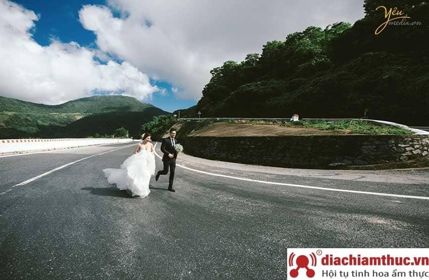 Chụp ảnh cưới tại Đèo hải vân