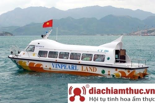 Di chuyển bằng Tàu thủy cao tốc đến Vinpearl Land Nha Trang