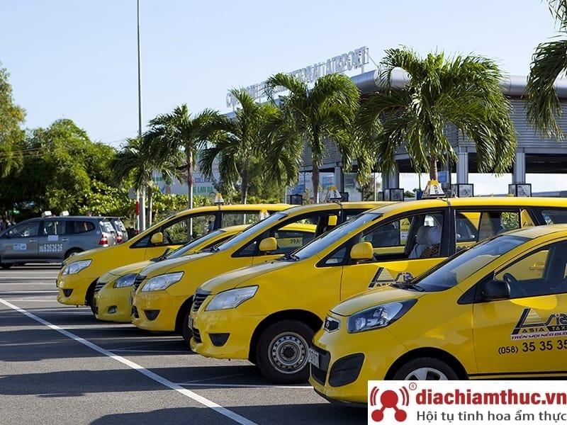 Di chuyển bằng Taxi đến Vinpearl Land Nha Trang