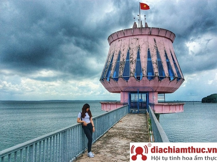 Hồ Dầu Tiếng Tây Ninh