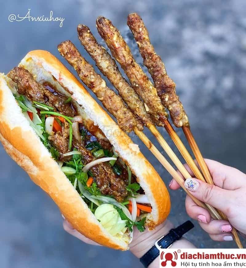 Lan Huệ – Bánh Mì Thịt Nướng Pate