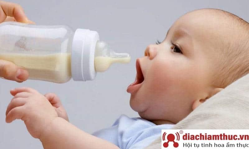 Pha sữa non cho trẻ em