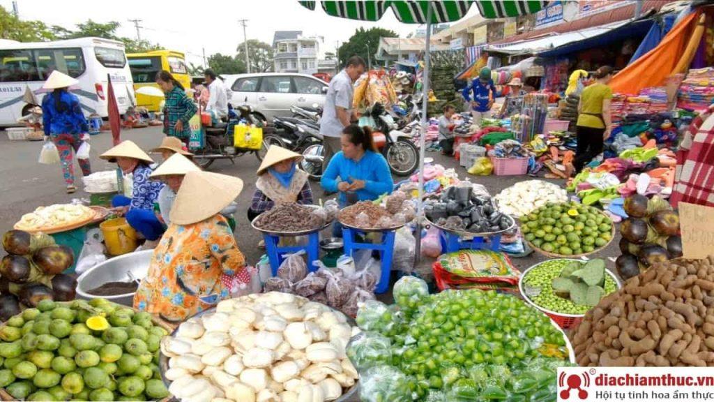 Chợ Tịnh Biên - Mua sắm