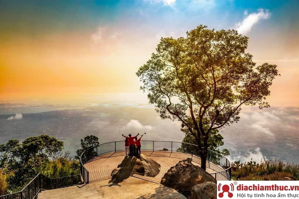 Núi Bà Đen - biểu tượng Tây Ninh