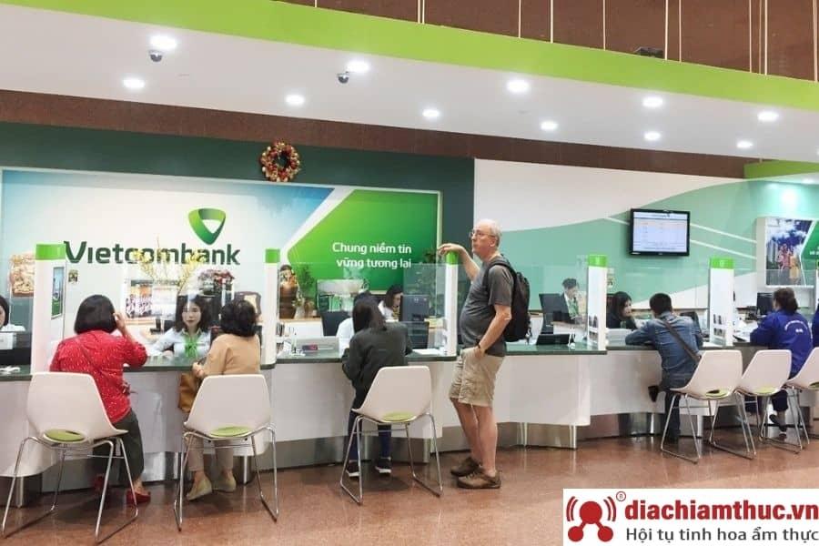 chi nhánh PGD Vietcombank gần nhất ở quận 1