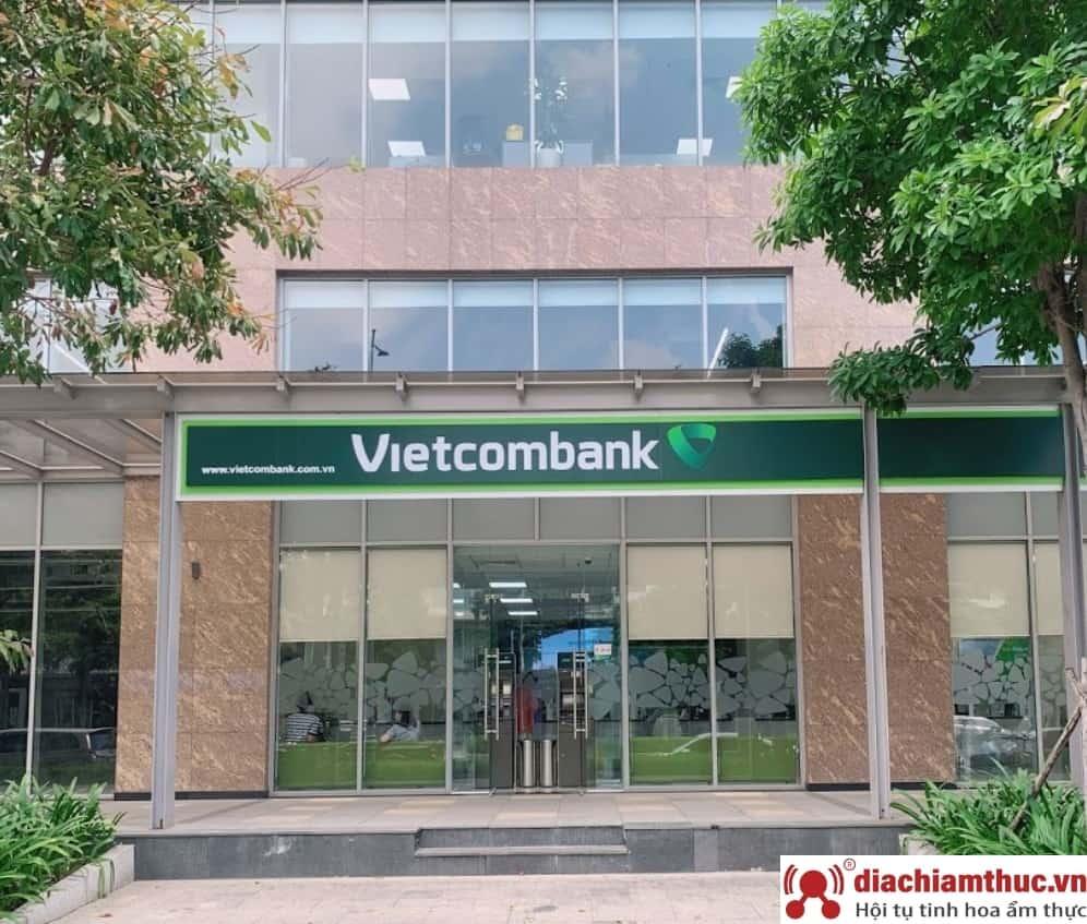 chi nhánh PGD Vietcombank gần nhất ở quận 2