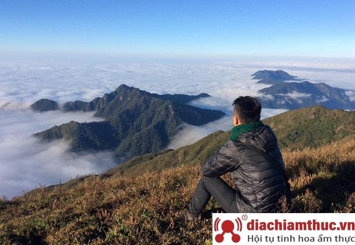 Đỉnh núi Pù Luông